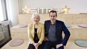 Sitran vanhemmat neuvonantajat Jouni Backman ja Liisa Hyssälä.