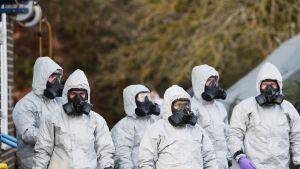 Rikospaikkatutkijoita Salisburyssa