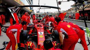 Ferrarin varikkopilttuu.