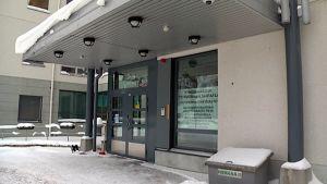 Psykiatrinen sairaala sijaitsee Kouvolan Kuusankoskella.