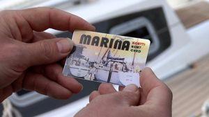 Veneilijöille tarkoitettu Marina-kortti.