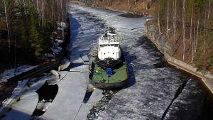 Jäänmurtaja Protector Saimaan kanavassa
