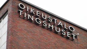 Helsingin käräjäoikeus sijaitsee Salmisaaren oikeustalossa.