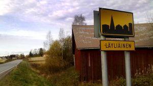 Läyliäinen on vilkas kylä Lopen kaakkoisosissa lähellä Hyvinkään kaupunkia.