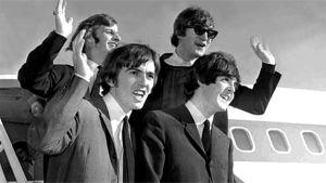 The Beatles saapumassa San Franciscon lentokentälle vuonna 1964.