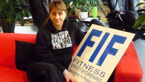 Kuvassa Telinevoimistelija Nelia Jeremenko Pietarsaaren Fitness clubilla.