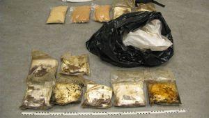 Repusta ja jätesäkistä takavarikoitiin yhteensä noin 11,5 kiloa amfetamiinia.