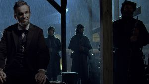 Daniel Day-Lewis Abraham Lincolnina elokuvassa Lincoln.