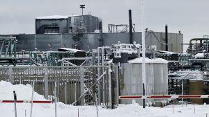 Talvivaaran kaivoksen metallitehdas.