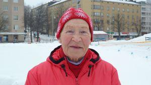Siiri Rantanen Lahden kauppatorilla maaliskuussa 2013