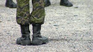 sotilaan jalat