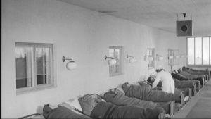 Tuberkuloosipotilaita parantolassa 1900-luvulla