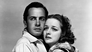 Vuonna 1940 valmistuneessa Suomen talvisodasta kertovassa Ski patrol -elokuvassa näyttelevät Philip Dorn ja Luli Deste.