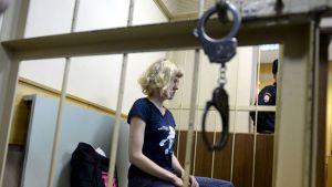 Greenpeace-aktivisti Sini Saarela oikeudessa Pietarissa, Venäjällä 19. marraskuuta 2013.