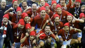 HIFK juhlii nousua.
