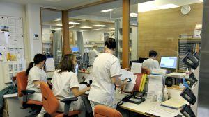 Meilahden Kolmiosairaalan sairaanhoitajien toimisto.