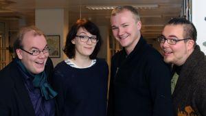 Lentävän Poron teatterilaiset Jussi Olavi Jokinen, Mona Huczkowski, Heikki Mäkäräinen ja Jonne Suopajärvi