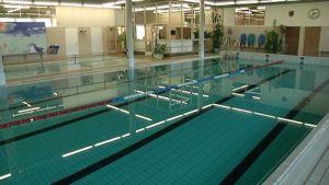 Nakkilan uimahalli suljetaan kunto-ongelman takia.
