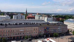 Näkymä Kotkansaarelle kaupungintalon katolta.