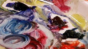 Yksityiskohta maalauspaletista.