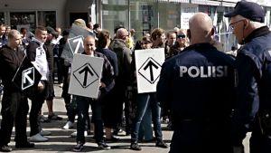 Äärioikeiston mielenosoitus Jyväskylässä 1.8.2015