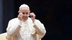 Paavi Franciscus piispainsynodissa Vatikaanissa 3. lokakuuta.