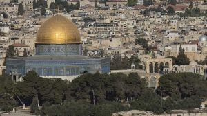 Muslimeille pyhä Kalliomoskeija Jerusalemin Temppelivuorella.