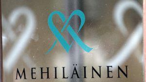 Terveysjätti Mehiläisen avainhenkilöllä on yli 10 miljoonan euron omistukset yhtiössä Luxemburgin kautta.