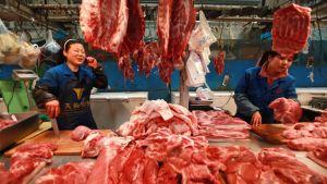 Kiinalainen lihatori Pekingissä.
