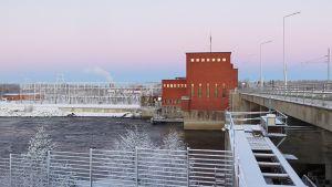 PVO:n Isohaaran voimalaitos.