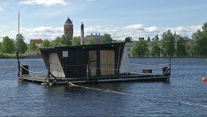 Tuiran uimarannalla on kesästä 2014 alkaen toiminut yleinen kesäsauna. Nyt alueelle haetaan kaavoitusta ja tonttia myös ympärivuotiselle  pysyvälle yleiselle saunalle.