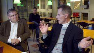 Kari-Pekka Kyrö ja Hiihtoliiton entinen toiminnanjohtaja Juha Viertola.