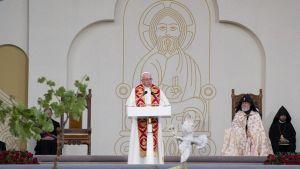 Paavi Franciscus piti ekumenisen rauhanrukouksen Jerevanissa Armeniassa 25. kesäkuuta.