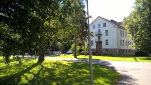 Sairaalamuseon rakennus Seinäjoella Törnävän sairaalan alueella.