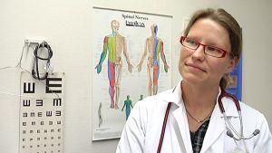 Terveyskeskuksien lääkäripula on helpottumassa. Heidi Ojala on tyytyväinen.