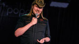 Harri Soinila on tehnyt stand up -komiikkaa noin neljän vuoden ajan.