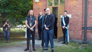Sipe Santapukki ja Toni Wirtanen Apulandian avajaisissa.
