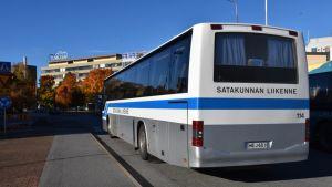 Satakunnan liikenteen linja-auto.