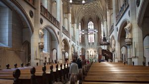 Wittenbergin linnankirkko on täysin saanerattu uskonpuhdistuksen merkkivuotta varten.