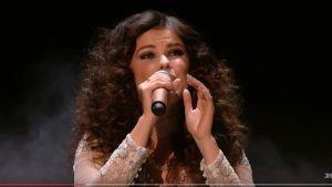 Saara Aalto on Britannian The X Factorissa jo viiden parhaan joukossa.