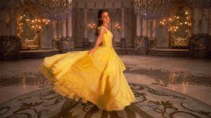 Belle (Emma Watson) elokuvassa Kaunotar ja Hirviö.