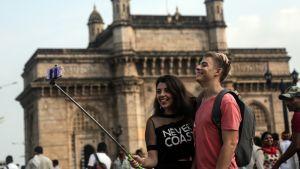 Tropiikkiin matkustavista suomalaisturisteista noin kolmasosa tuo tuliaisena monille antibiooteille vastustuskykyisen bakteerin. Kuva Mumbaissa Intiasssa syyskuussa 2016. Kuva ei liity jutussa haastateltuun Jarkon tapaukseen.