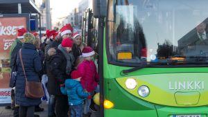 Jyväskylän liikenteessä matkasi viime lauantaina ilmaiseksi 10 000 tonttua.