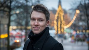 Pyry Survo on 24-vuotias Tampereella asuva säveltäjä ja äänisuunnittelun opiskelija.