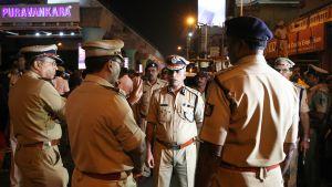 Bengalurun poliisi liikkui kaduilla nousseen terrorismiuhan vuoksi uuden vuoden aattona.