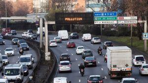 Liikennettä Pariisissa