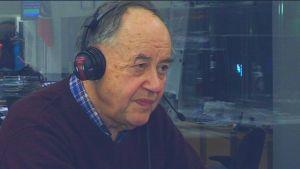 Markku Tanttinen vieraana radiostudiossa.