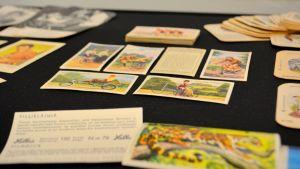 Leikkikalu tupakka-askista keräilykortteja