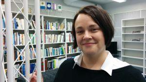 Seinäjoen lyseon äidinkielen ja kirjallisuuden lehtori Hanna Rahko on vuoden 2017 äidinkielenopettaja.