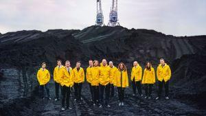 Ultra Bran jäsenet pukivat jälleen keltaiset sadetakit päälleen.